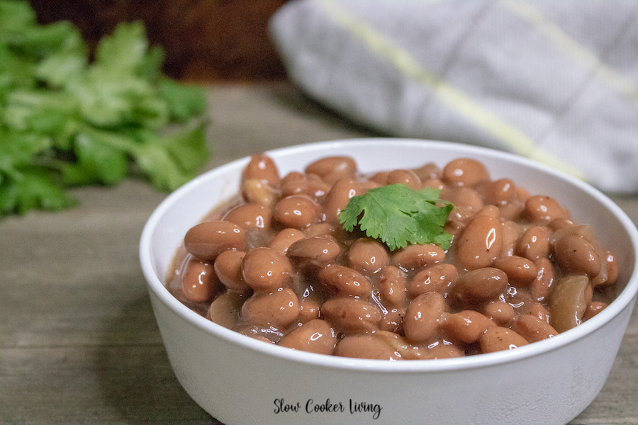A featured image showing the finished beans in a bowl ready to eat.