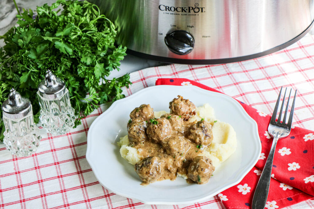 Delicious finished meatballs ready to eat.