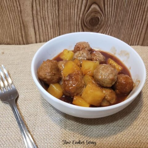 Featured image showing the finished sweet and sour meatballs ready to serve.